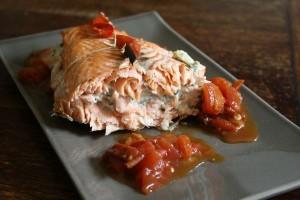 Rôti de saumon au fromage frais et aux herbes