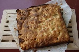un gâteau aux pommes rétro